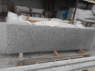 G439 White Granite Little Slabs con Favorable Price